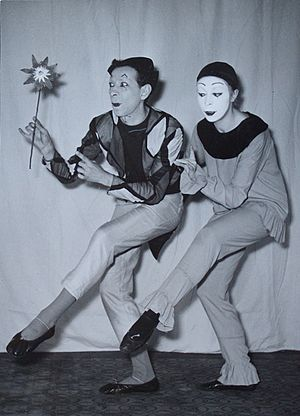 Mime artist - Mime artists Jean Soubeyran and Brigitte Soubeyran in 1950.