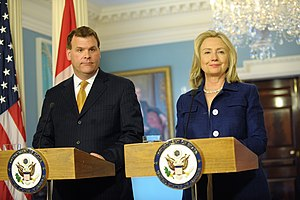 John Baird (Canadian politician) - John Baird with U.S. Secretary of State Hillary Clinton in Washington, D.C., August 4, 2011