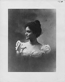 Kaiulani in 1897, wearing pearl necklace (PPWD-15-3.016, original).jpg