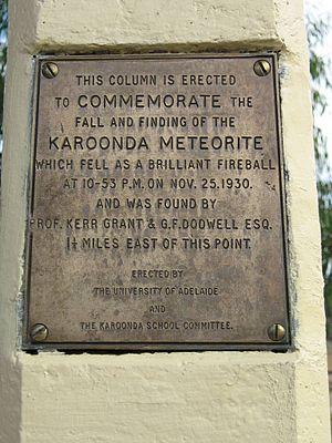 Karoonda meteorite - Karoonda meteorite commemorative plaque
