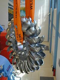Kartell Kraftwerk, Pelton Turbine.jpg