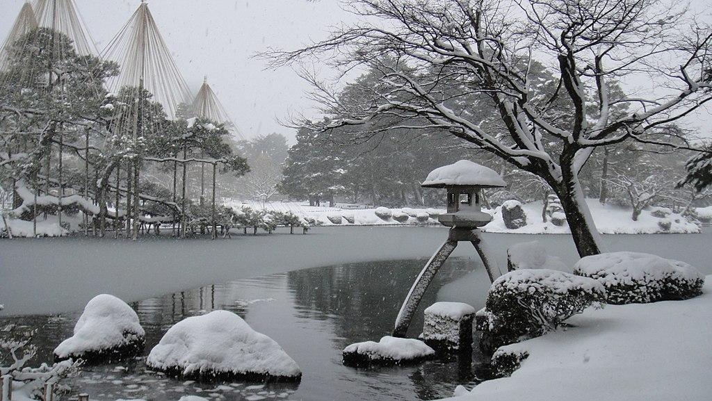 Kenrokuen in winter 01
