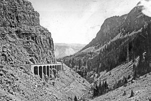 Kingman Pass - Image: Kingman Pass Golden Gate YNP1921