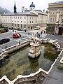 Kollegienkirche vom Karajan-Platz aus.jpg