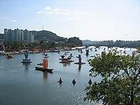 Korea-Jinju-Festival-Nam.River-01.jpg