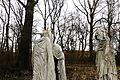 Koszuty, museum, sculptures Szepczace postaci (3).JPG