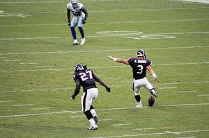 Kris Brown - Image: Kris Brown kickoff