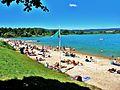 Lac de Chalain, plage de Doucier, au mois d'août.jpg