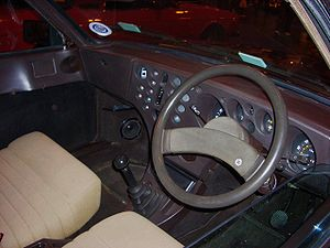 Lancia Beta - The Mario Bellini dashboard of the Trevi and third-series Berlina, with deeply recessed dials and controls