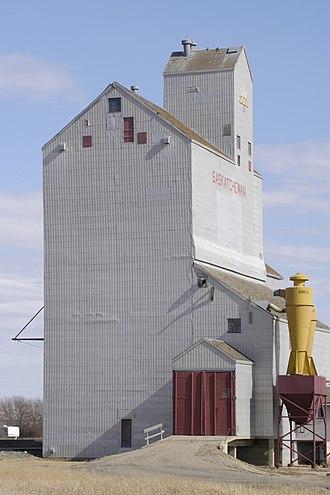 Lang, Saskatchewan - Grain elevator in Lang