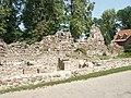 Latvija - Cēsu rajons - Valmiera - Bruņinieku iela - Livonijas ordeņa pilsdrupas (2).jpg