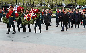Igor Dodon - Laying wreath at the Tomb of the Unknown Soldier in Moscow.