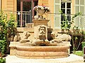 Le Tholonet-FR-13-château-fontaine-a1.jpg