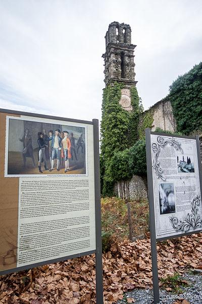 Piedicroce (Corse] - Panneaux explicatifs devant l'ancien couvent d'Orezza