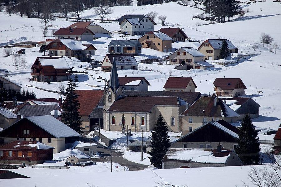 Église du village des Pontets (Doubs)