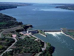 Lewis & Clark Lake and Dam NE.jpg