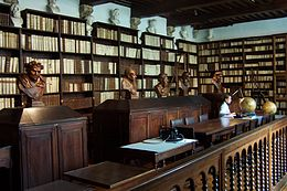 Library of Plantin-Moretus Museum in Antwerp.jpg