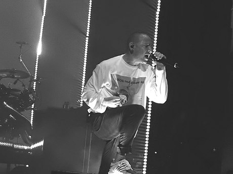 Bennington performing in July 2017, two weeks before his death Linkin Park, Brixton Academy, London (35957242826).jpg