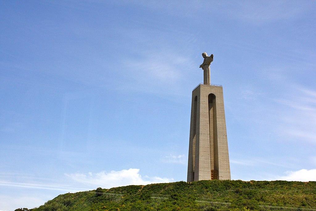 Statue de Jésus Roi à Lisbonne. Photo de Kyle Taylor