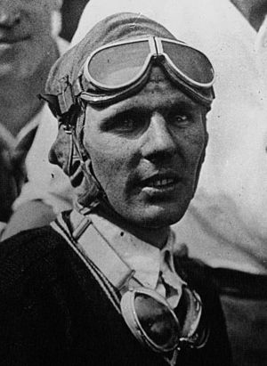 Louis Meyer - Image: Louis Meyer at the 1928 Indianapolis 500 (cropped)