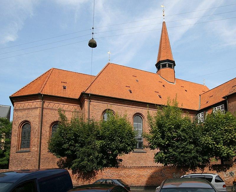 Luther Kirken Copenhagen.jpg