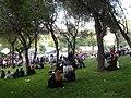 Madrileños en el Parque de San Isidro.JPG