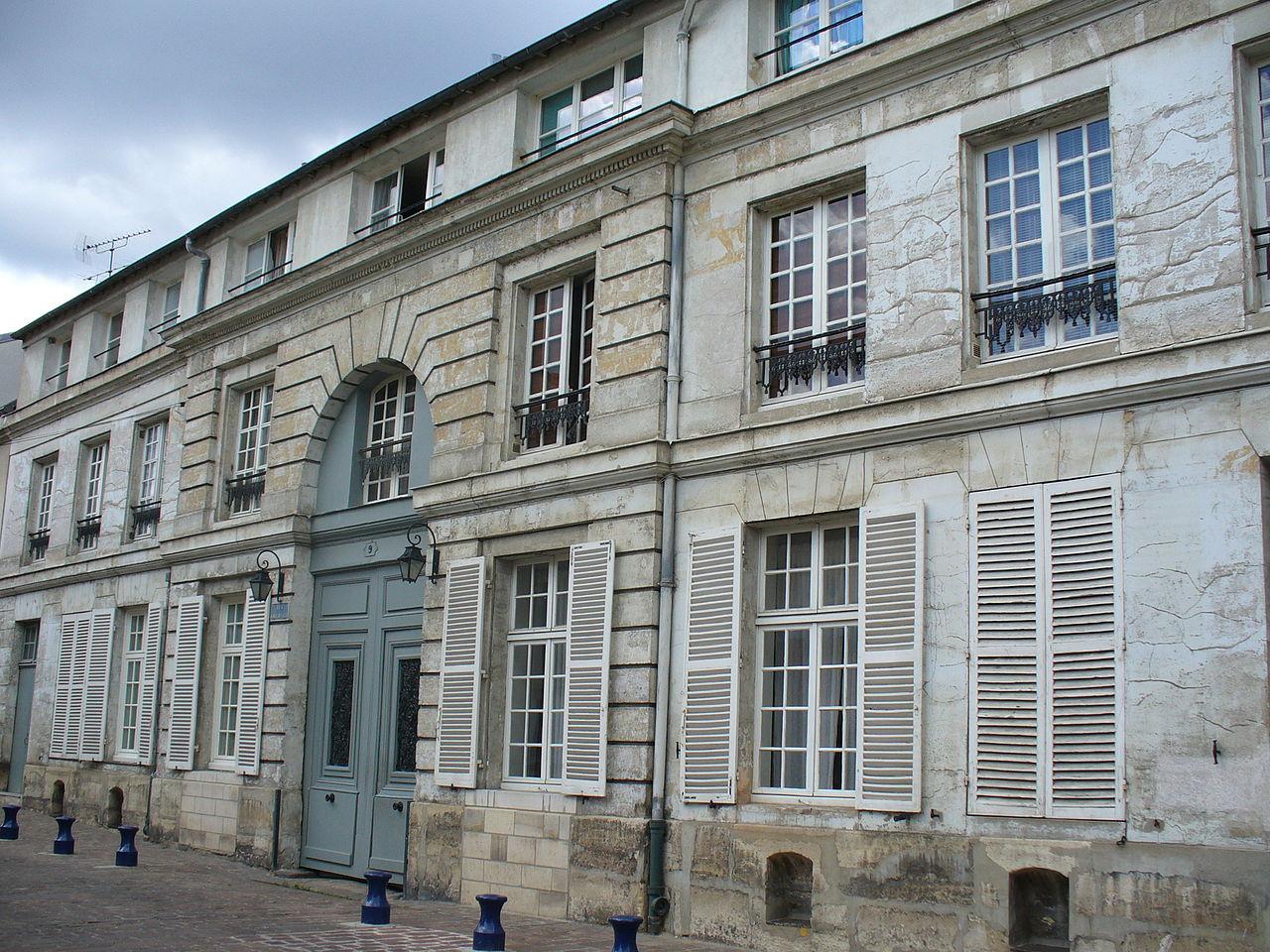 File:Maison ancienne de clamart.jpg - Wikimedia Commons