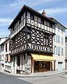 Maison place Saint-Jean Ambert 2016-08-08.jpg