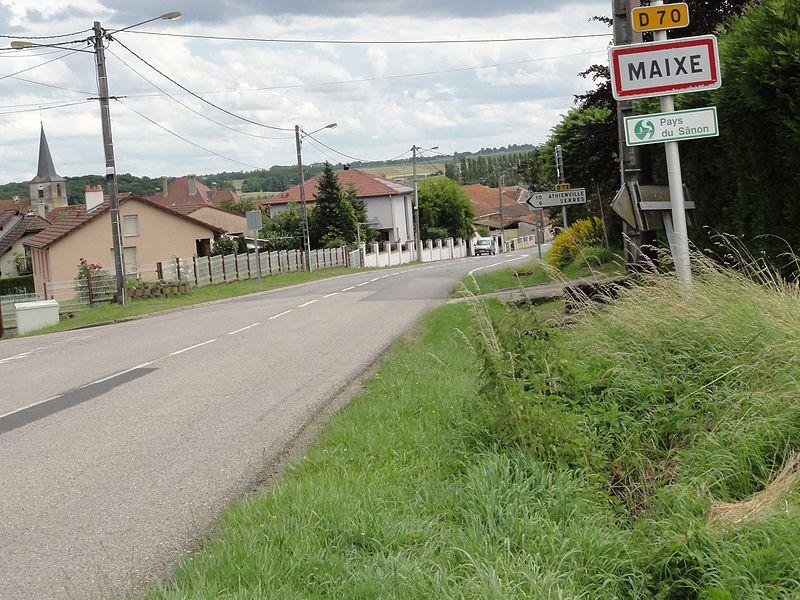 Maixe (M et M) city limit sign