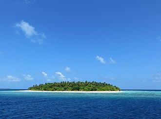 Desert island - Image: Maldives island