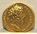 Marco aurelio, aureo, 161-180 ca. 05.JPG