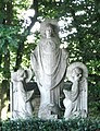 Maren, groupe de statues 'la résurrection' (cropped).JPG