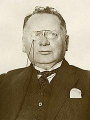 Maxim Litvinov 1932.jpg