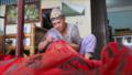 Merawat batik Sumatra.png
