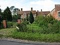 Mere Farm - geograph.org.uk - 543351.jpg