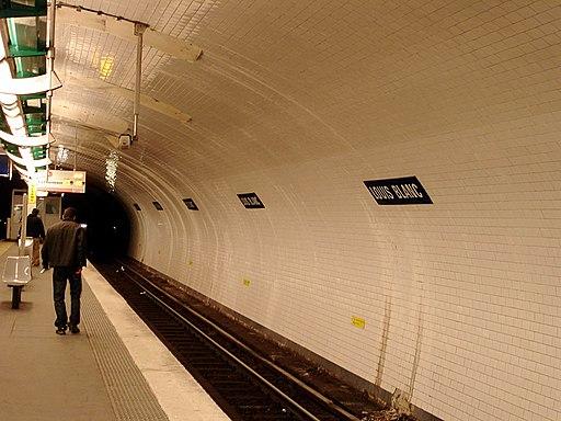 Metro de Paris - Ligne 7 - Louis Blanc 02