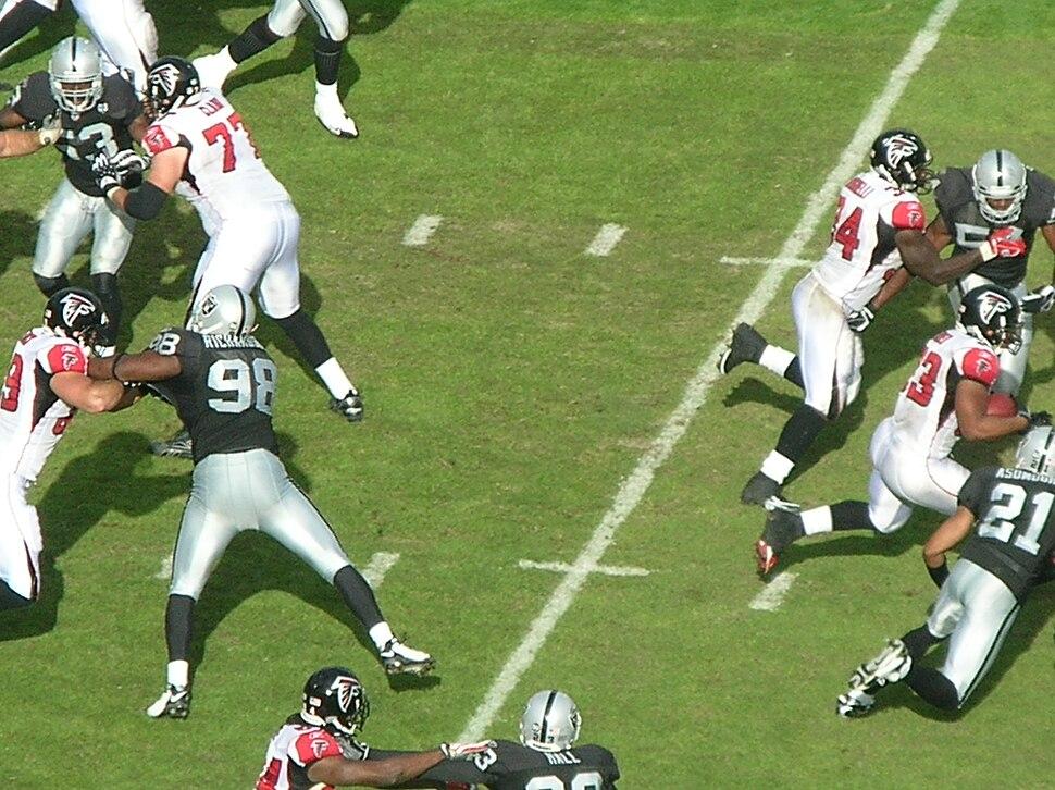 Michael Turner rushes at Atlanta at Oakland 11-2-08 1