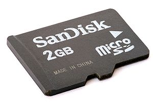 English: 2 Gigabyte MicroSD (TransFlash) card....