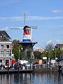 Molen bij haven Leiden.jpg
