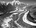 Muldrow Glacier, valley glacier with winding moraines and crevasses, August 4, 1957 (GLACIERS 5172).jpg