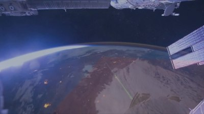 Файл:NASA's OPALS Beams Video from Space.webm