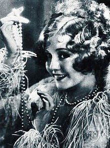 Accéder aux informations sur cette image nommée Nancy Carroll from Stars of the Photoplay.jpg.