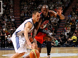 Great Britain men's national basketball team - Nate Reinking defended by Kobe Bryant, in a friendly game before the 2012 Games