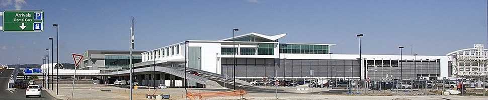 New terminal building at Canberra Airport cropped2