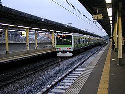 Nishi-nippori-station-2004-05.jpg