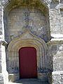 Notre-Dame des Fleurs Plouharnel Porte Ouest.jpg