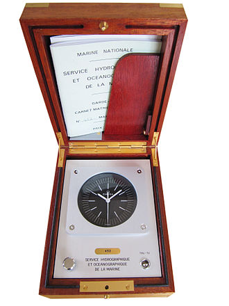 Quartz clock - Omega 4.19 MHz Ships Marine Chronometer, French Navy issued