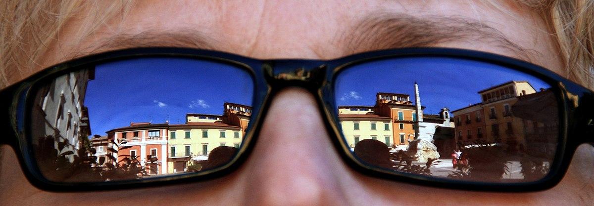 Occhiali da sole wikipedia for Immagini sole da colorare