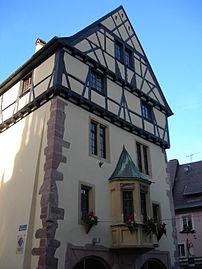 Office de tourisme de Thann, Haut-Rhin.jpg