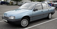 Opel Omega A sedan przed face liftingiem